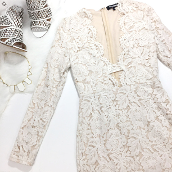 98ee7e529d9d New Missguided Lace Scallop Bodycon Dress. M_5abed6a3a6e3eaf848343921